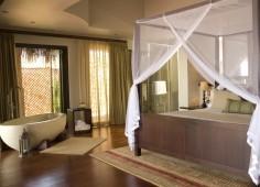 Bay View Villa Main Bedroom