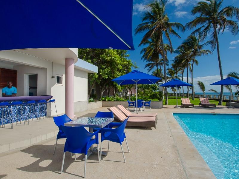Hotel Dona Ana Pool Deck