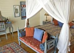 Medjumbe Chalet Room Interior