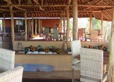 Nkwichi Lodge bar and restaurant