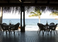 Pemba Beach Hotel Club Naval deck