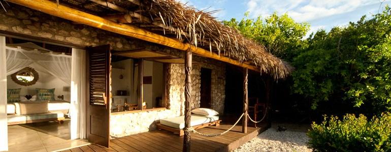 Azura Quilalea Kusi Villa Deck