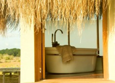 Dugong Beach Lodge Bathroom Outside