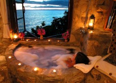 Kaya Mawa bathtub with a view