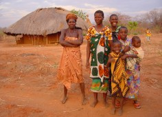 Lugenda Wilderness Camp Villagers