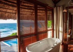 Massinga Beach Lodge Guest Bathroom