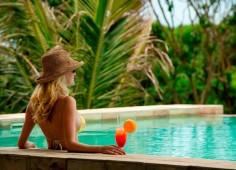 White Pearl Resort pool