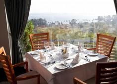 Hotel Cardoso Lunch Table