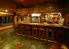 Castelo Bar Area