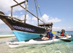 Dhow-and-kayak-mobile-safari