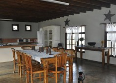 bali-hai-lodge-inhambane-mozambique indoor dinning