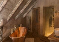 Colina Verde Monkey bath