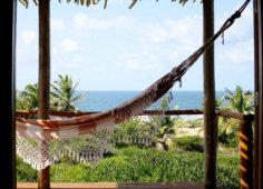 Travessia Beach Lodge Mozambique Casa de Mel Hammock